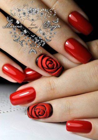 Маникюр в красном цвете с розами