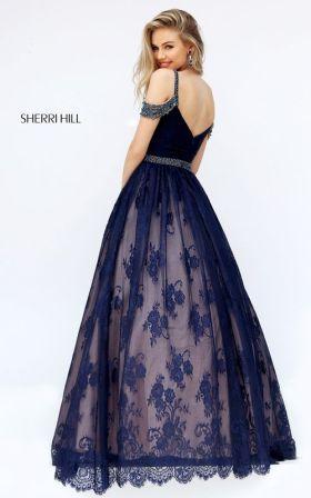 Випускні сукні 2019  Найкрасивіші плаття на випускний 11 клас ... de1927ce4170c