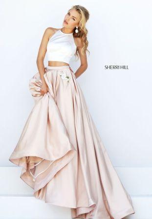 Випускні сукні 2019  Найкрасивіші плаття на випускний 11 клас ... e8525d097003f