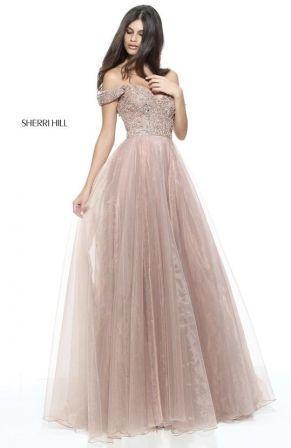Випускні сукні 2019  Найкрасивіші плаття на випускний 11 клас ... c4ac9ac38c535