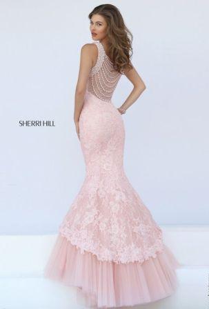 Випускні сукні 2019  Найкрасивіші плаття на випускний 11 клас ... 97e3a9f042c4c